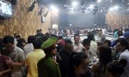 Đột kích quán bar, hàng trăm dân chơi bỏ chạy