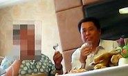 Quan Trung Quốc bị sa thải vì miệt thị dân trên bàn tiệc