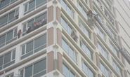 Hà Nội: Cháy tòa nhà 18 tầng, hàng trăm người mắc kẹt