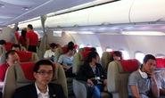 Hành khách hút thuốc, xé túi áo phao trên máy bay VietJet Air