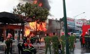 Hà Nội: Kinh hoàng vụ cháy cây xăng suốt 5 giờ