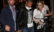 """Madonna bao trọn rạp phim vì """"phi công trẻ"""""""