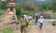 Báo Người Lao Động đến với giáo viên và học sinh khó khăn