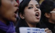 Ấn Độ: Thêm bé gái bị hiếp dâm, bóp cổ chết