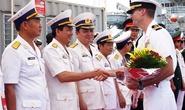 Chùm ảnh tàu khu trục của Mỹ cập cảng Đà Nẵng