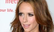 "Jennifer Love Hewitt muốn bảo hiểm ""vòng 1"" giá 5 triệu USD"