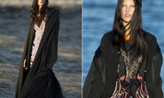 """Siêu mẫu Alessandra Ambrosio """"quái lạ"""" trước biển"""