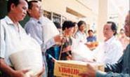 Công ty Môi Trường Đô Thị TPHCM: Tặng gạo cho dân nghèo huyện Củ Chi