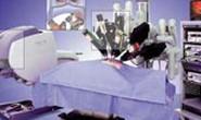 Dùng robot phẫu thuật tim mạch, xu hướng của tương lai