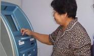 Nhận lương hưu qua thẻ ATM