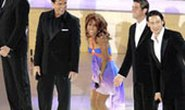 Toni Braxton bối rối tại lễ khai mạc World Cup