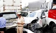 10 ôtô đâm liên hoàn, 4 người bị thương