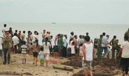 Quảng Bình: Nổ bom trên bãi biển Đá Nhảy