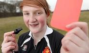 Nữ trọng tài trẻ nhất nước Anh chỉ... 14 tuổi