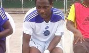 Cầu thủ Nigeria ngã gục trên sân rồi tử vong