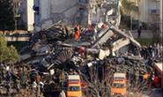 Sập nhà 12 tầng, 7 người thiệt mạng