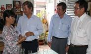 LĐLĐ TPHCM tặng quà CNVC-LĐ bị bệnh nan y