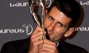 Djokovic vượt mặt đàn anh Messi