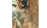 Nghệ An: Phát hiện bom khủng ẩn mình dưới QL 15A