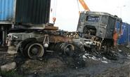 Đấu đầu trên QL 5, 2 xe container cháy rụi