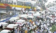 Hà Nội xem xét thu phí đường bộ tới 150.000 đồng/xe máy