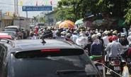 Hàng ngàn người ken chặt phà Cát Lái