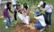 CapitaLand và Ascott trồng cây tại trường tiểu học ở Bến Tre