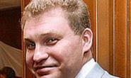 Giàu hàng đầu nước Nga vẫn xài hộ chiếu giả