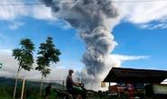 Indonesia: Hơn 10.000 dân sơ tán tránh núi lửa