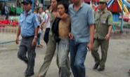 """Con nghiện """"xin đểu"""" đâm chết thiếu nữ ở chung cư Nguyễn Kim"""