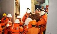 Cứu 2 người nước ngoài bệnh nguy kịch trên biển