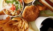 Đồ ăn nhanh làm nguy cơ bệnh đường hô hấp và viêm da