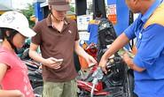 Xăng dầu: Tăng giá hay giảm thuế?
