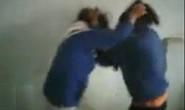 Nữ sinh Thanh Hóa hỗn chiến trong nhà giữ xe