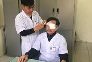 Khởi tố, bắt giam người đánh gãy mũi bác sĩ đang cấp cứu