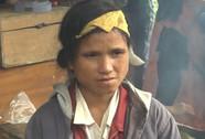 Video: Đau đớn, xót xa cảnh tìm nạn nhân sạt lở núi
