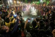 """Mãn nhãn với """"quảng trường - nhạc nước """" tại Công viên Văn Lang."""