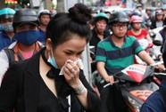 Kẹt cứng trước chợ Hòa Hưng, xe buýt 30 phút mới thoát thân