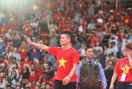 """Phá """"cổng chào tình, tiền"""" trước tuyển U23 Việt Nam"""