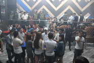 Đột kích quán bar, lòi ra hơn 200 người dính ma túy