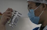 """Nghịch lý """"đắng lòng"""" của vắc-xin Covid-19 Trung Quốc"""