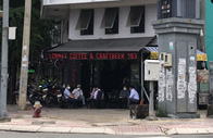 Nhiều hàng quán tại TP HCM đã mở bán tại chỗ