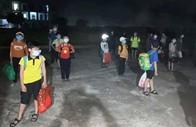 Nam sinh lớp 6 dương tính với SARS-CoV-2, 32 học sinh đi cách ly ngay trong đêm