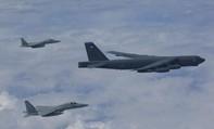 Biển Đông: Máy bay ném bom Mỹ vờn quanh khu vực Trung Quốc chiếm trái phép