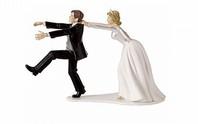Chú rể ly dị ngay trong tiệc cưới vì cô dâu lộ ảnh nóng