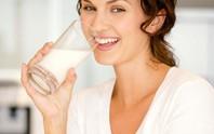 Công dụng làm đẹp bất ngờ từ sữa tươi