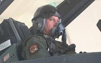 Bộ trưởng Quốc phòng Iraq lái F-16 tấn công IS