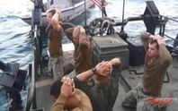 """Hải quân Mỹ """"mắng xối xả"""" các thủy thủ quỳ gối trước quân Iran"""