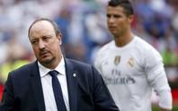 Benitez dạy đời, Ronaldo gửi USB bàn thắng đáp trả