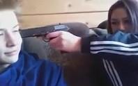 Nga: Cặp thiếu niên live cảnh đấu súng với cảnh sát rồi tự tử